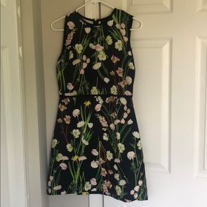 Very cute floral dress wore once!